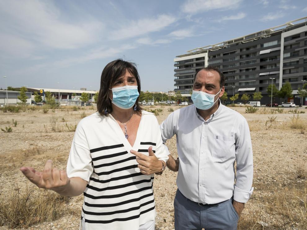 Lola Ranera e Ignacio Magaña (PSOE) han criticado los preparativos de las Fiestas del Pilar