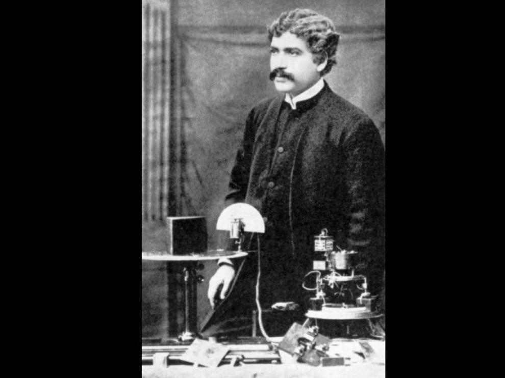 El físico bengalí Jagadish Chandra Bose
