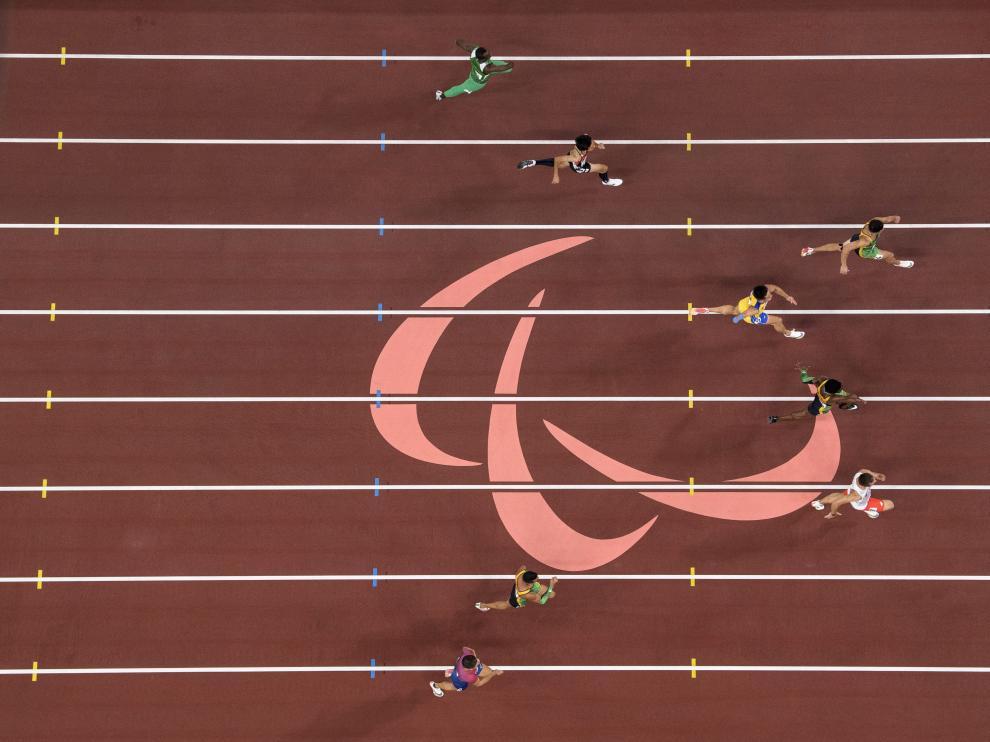 Atletas durante una competición en los Juegos Paralímpicos de Tokio.