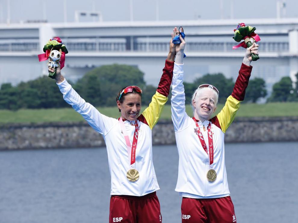 Oro de Susana Rodríguez y su guía Sara Loehr en triatlón