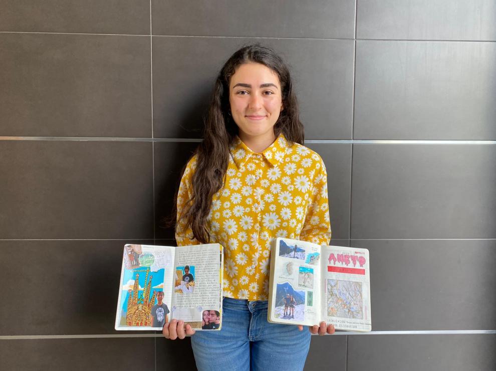 Blanca Jiménez con sus dos 'bullet journal'