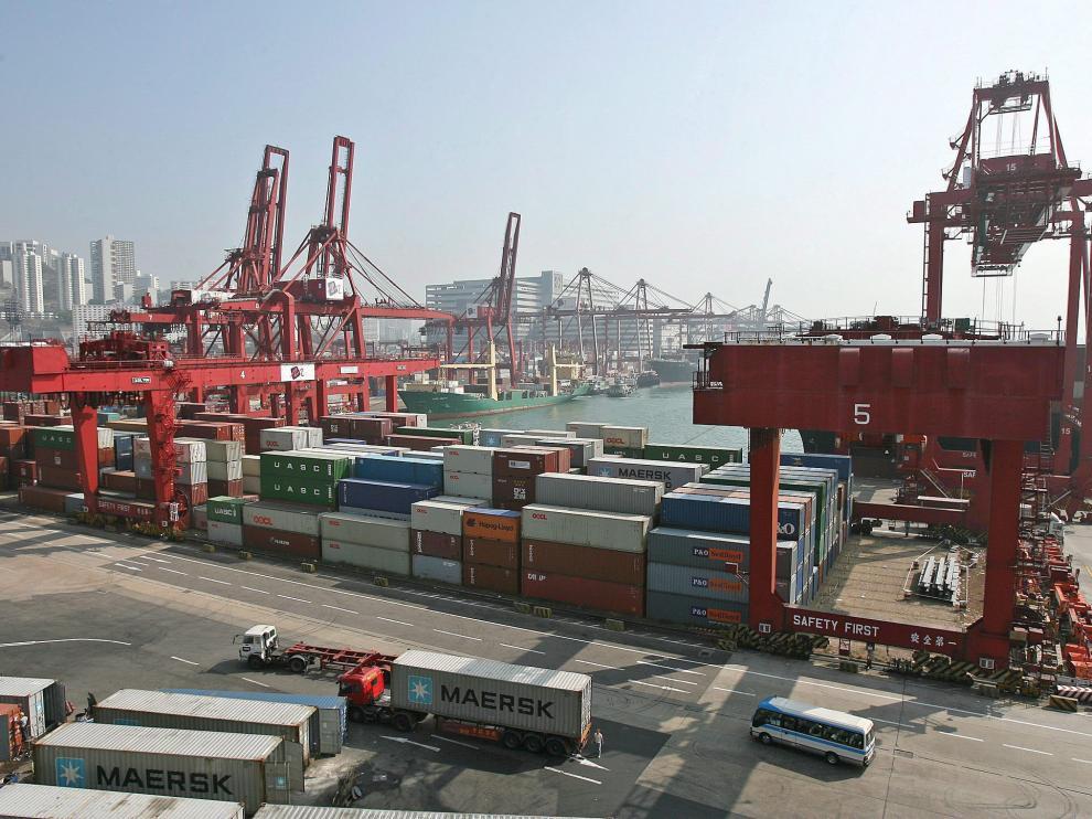 Contenedores en el puerto de Hong Kong.