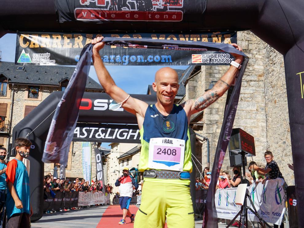 Miguel Caballero, vencedor masculino de la 2K del Trail Valle de Tena.