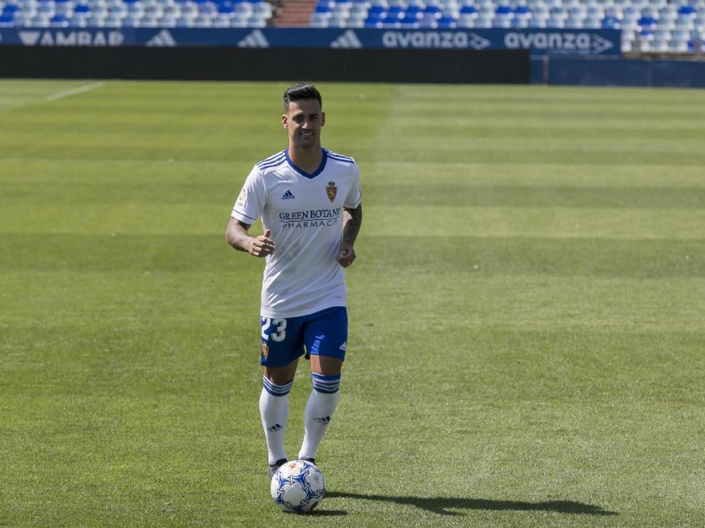 Nano Mesa, en su presentación este sábado en La Romareda, podría debutar horas después frente al Cartagena.