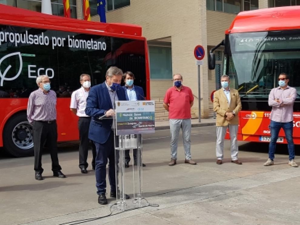 Soro presentó los nuevos autobuses de biometano