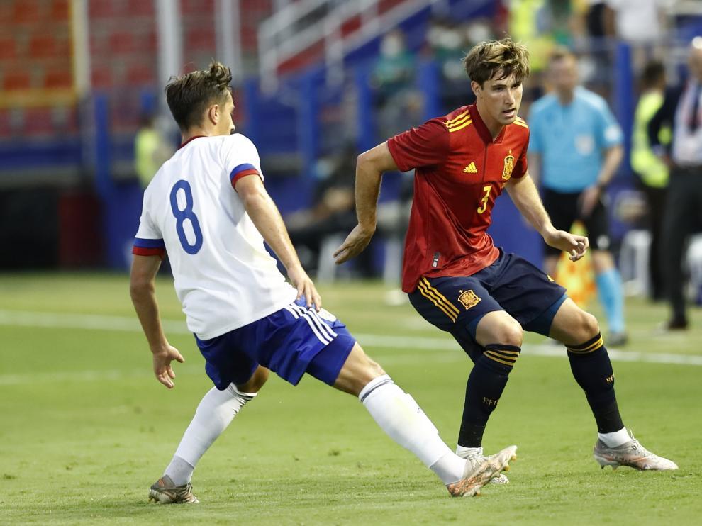 Juan Miranda, lateral izquierdo de la selección española, en el partido de este viernes frente a Rusia.