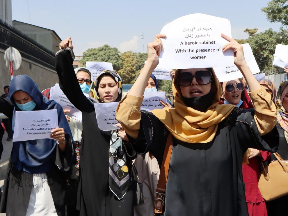 Protesta de mujeres afganas en Kabul.