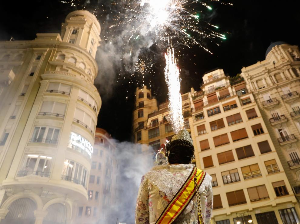 Figures burn during the end of the Fallas Festival, which welcomes Spring and commemorates Saint Josephs Day, in Valencia, September 5, 2021. REUTERS/Eva Manez Lopez NO RESALES. NO ARCHIVES[[[REUTERS VOCENTO]]] SPAIN-CULTURE/FALLAS