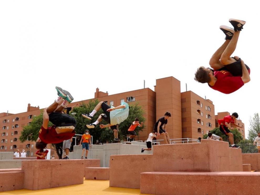 Exhibición de la Asociación Parkour Zaragoza Movement.