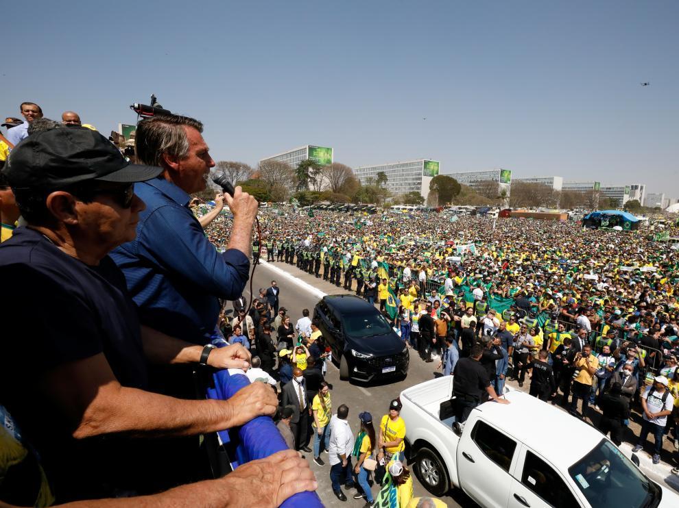 Brazil's president Jair Bolsonaro leads a demonstration against the Supreme Court in Brasilia