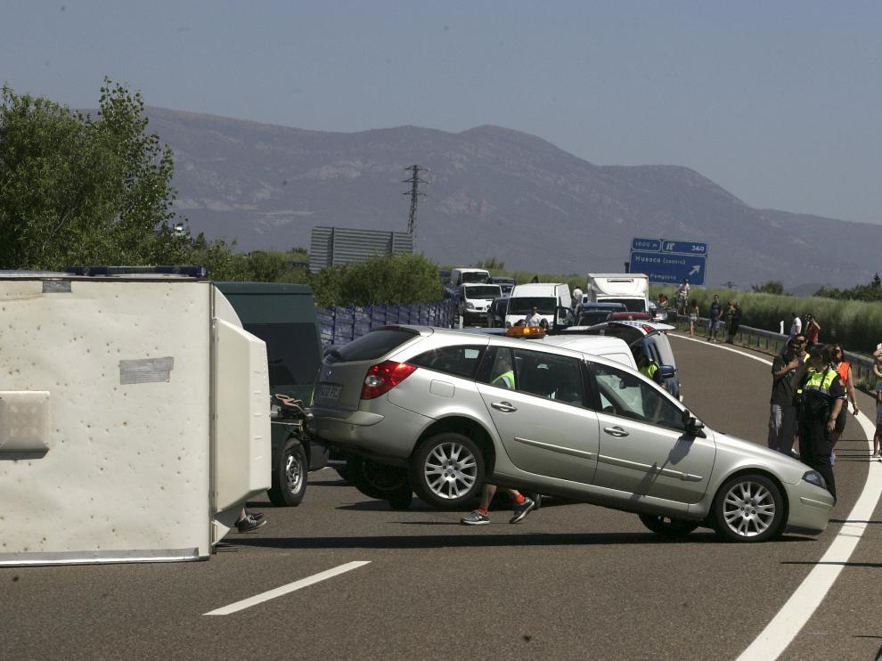 Las zonas más peligrosas suelen ser las  autovías y autopistas, así como las carreteras sin arcén o aquellos lugares que no disponen de quitamiedos.