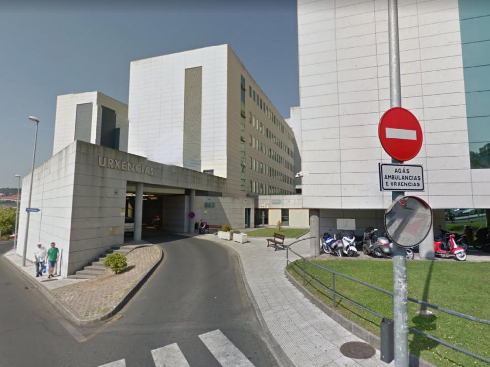 La chica fue trasladada en la aeronave al Complejo Hospitalario Universitario de Orense (CHUO), donde permanece ingresada en estado grave.