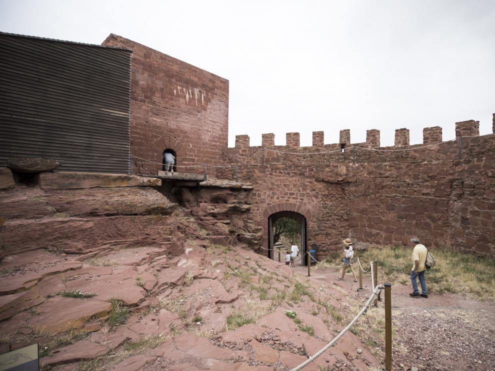 El Castillo de Peracense ha sido objeto de obras de restauración y mejora del entorno recientemente.