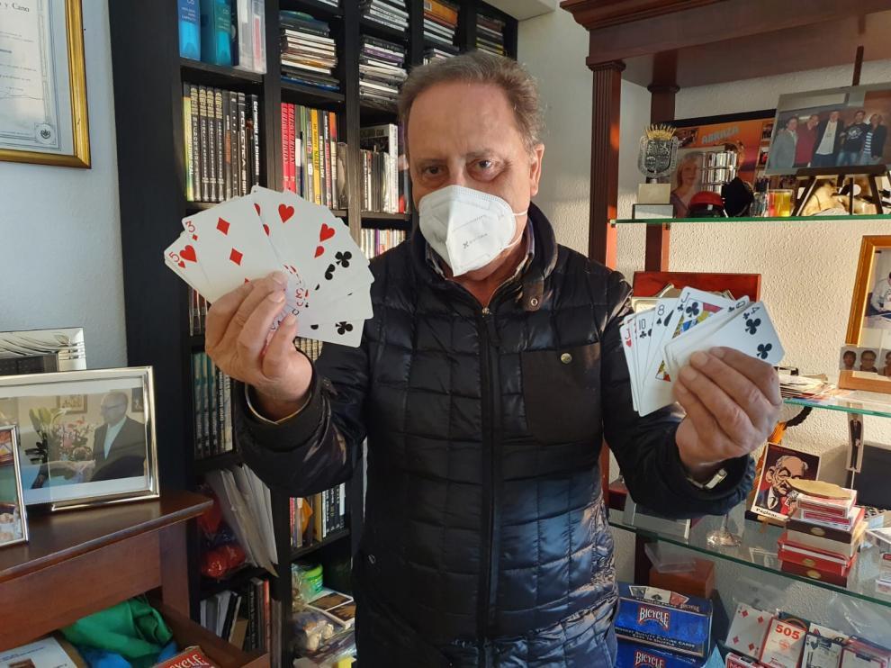 Francisco Javier Cavero, el mago Jaffer, en su casa