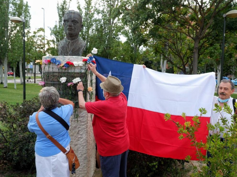 Homenaje a Salvador Allende en el parque junto a Bomberos.