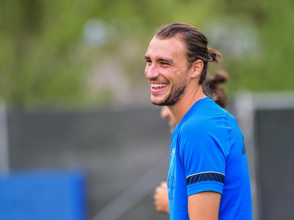 Ignasi Miquel, durante el entrenamiento de este sábado con la SD Huesca.