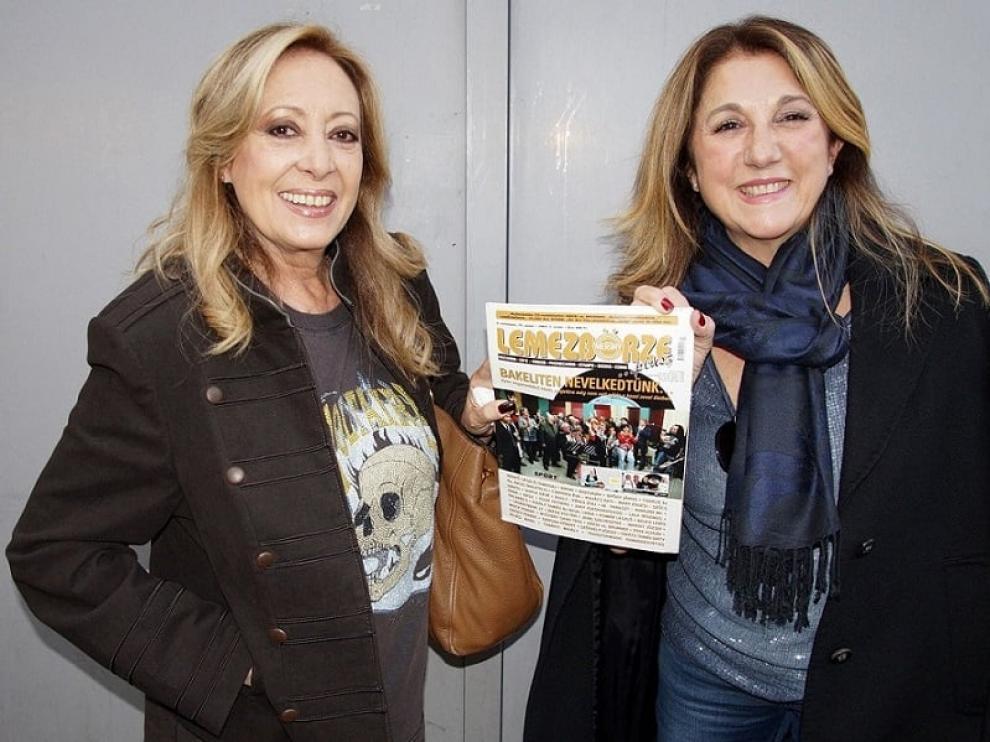 María Mendiola junto a su última pareja musical en el dúo Baccara, Cristina Sevilla.