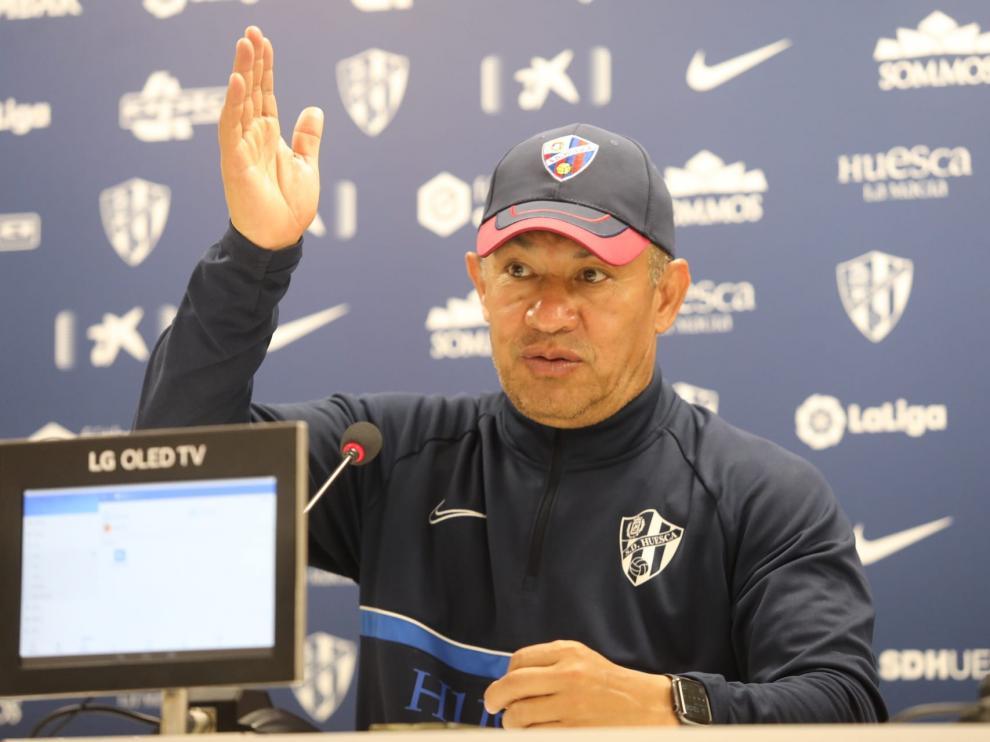 Nacho Ambriz, técnico de la SD Huesca, en la rueda de prensa previa a la visita al Lugo.
