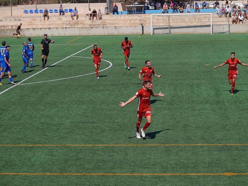 Barrero celebra su gol