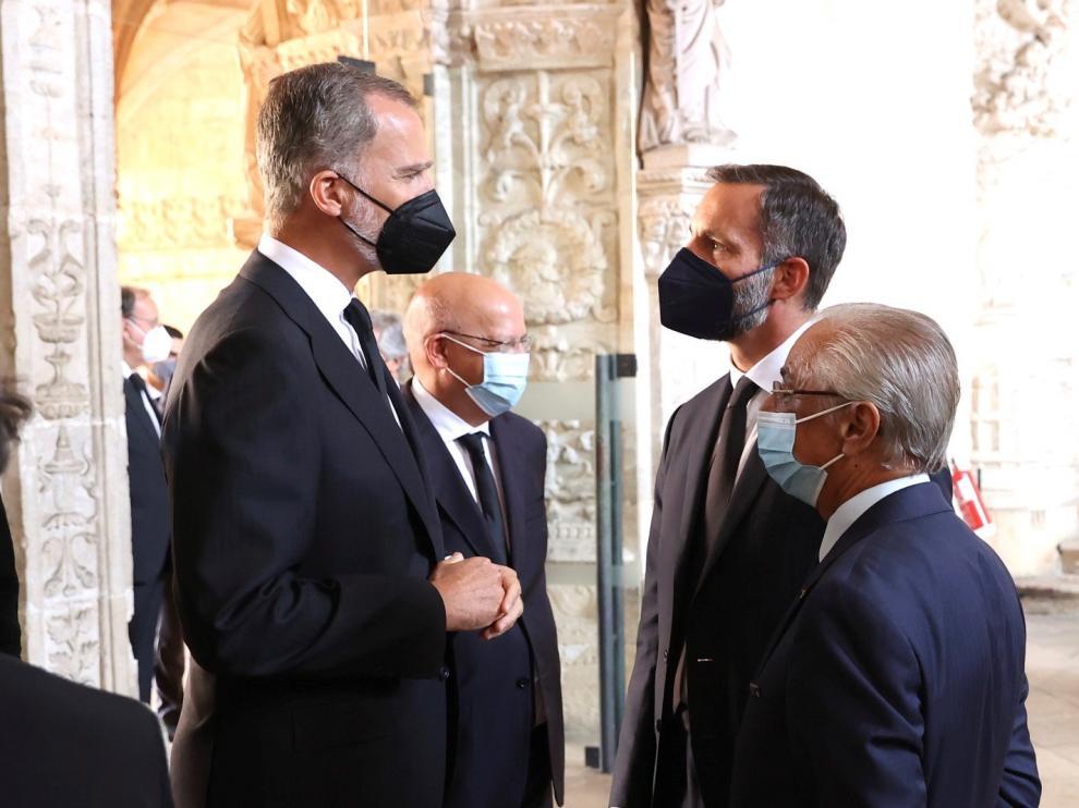 El rey Felipe VI asiste al funeral del expresidente Jorge Sampaio en Lisboa