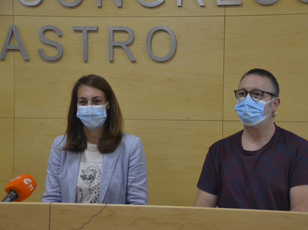 Blanca Galindo, concejal de Cultura, y Javier Guirao, técnico.