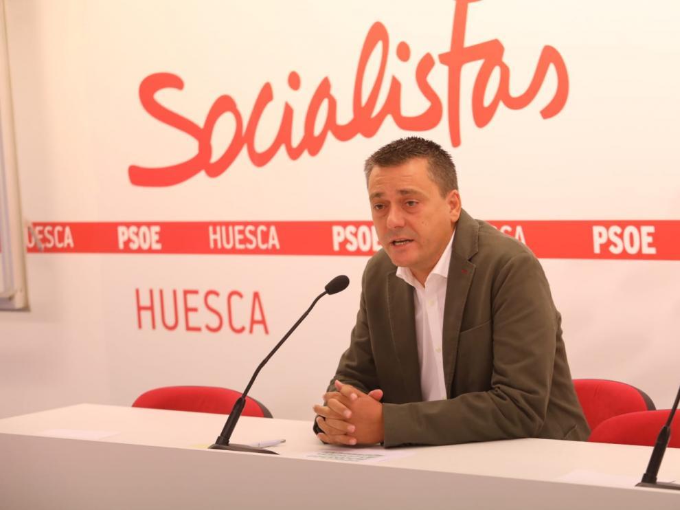 Fernando Sabés en la rueda de prensa de anuncio de su candidatura.