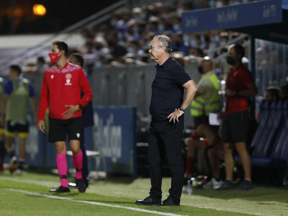 Jim, ayer en la banda del estadio Fernando Torres de Fuenlabrada.