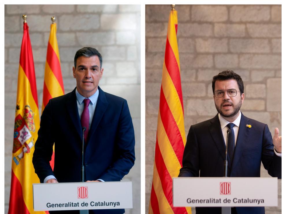 A la izquierda: Sánchez delante de las dos banderas. A la derecha: Aragonès solo con la catalana