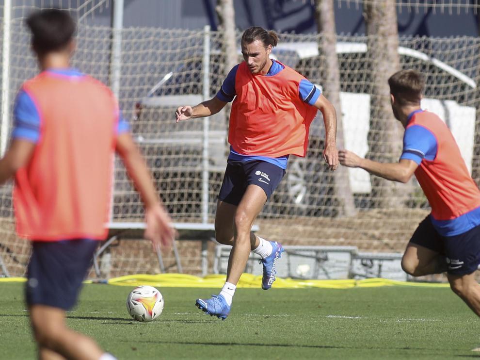 Ignasi Miquel, durante el entrenamiento de este miércoles de la SD Huesca.