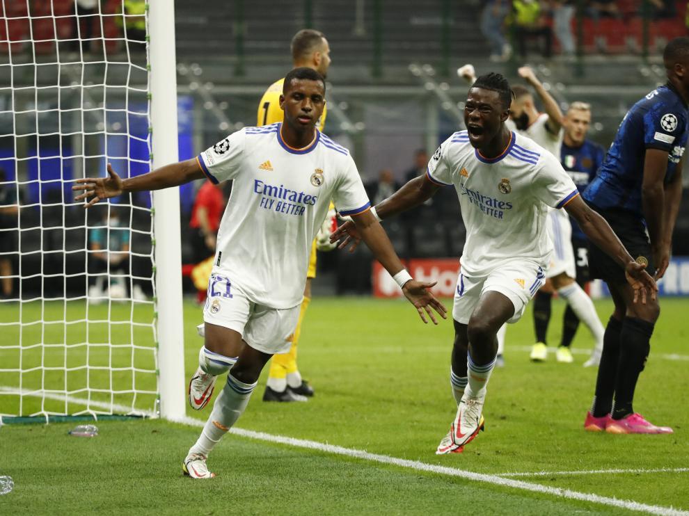 Rodrygo celebra el gol en Milán