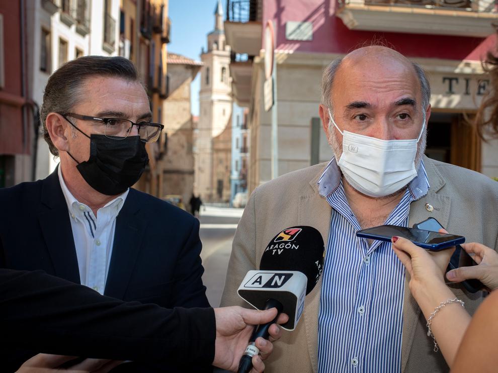 El presidente del PP en Aragón, Luis María Beamonte y alcalde de Calatayud, José Manuel Aranda