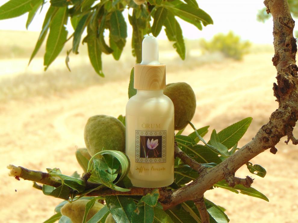 El sérum de extracto de flor de azafrán es el primer producto lanzado por la empresa turolense.
