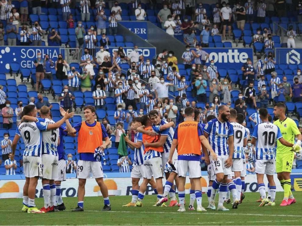Los jugadores de la Real Sociedad B celebran el único triunfo logrado hasta ahora en Segunda, por 1-0 ante el Leganés en Anoeta.
