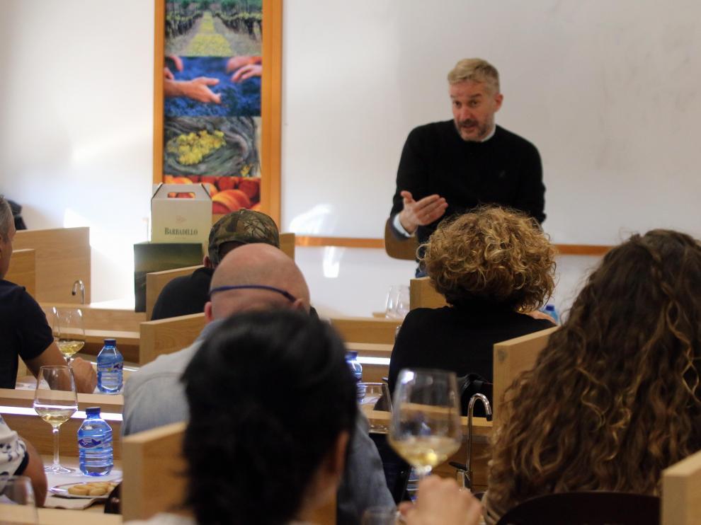 Armando Guerra, en la primera sesión de los talleres de Gastronomía en Huesca.