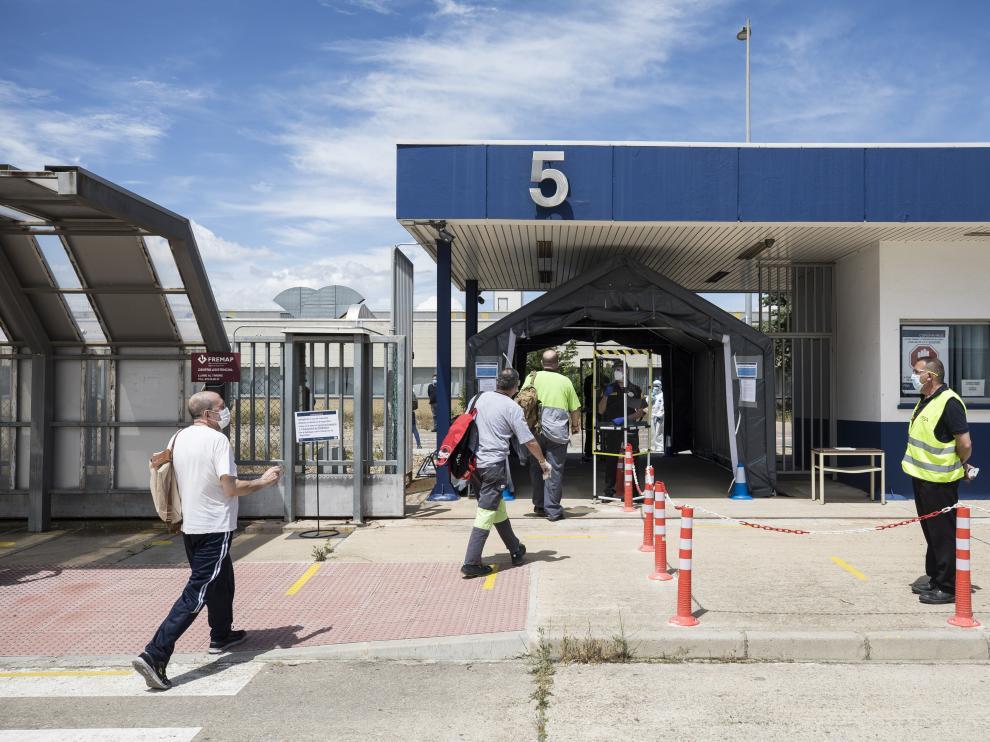 Control de acceso a la planta de Opel España en Figueruelas, del grupo Stellantis.