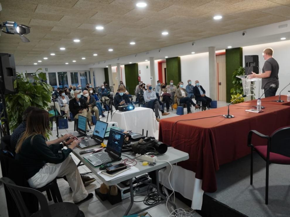 Aínsa ha presentado ante ayuntamientos y diputaciones de toda la España proyectos como la app Ztrails, la Zona Zero Sobrarbe o el Acuerdo Custodia de la Fundación Quebrantahuesos.
