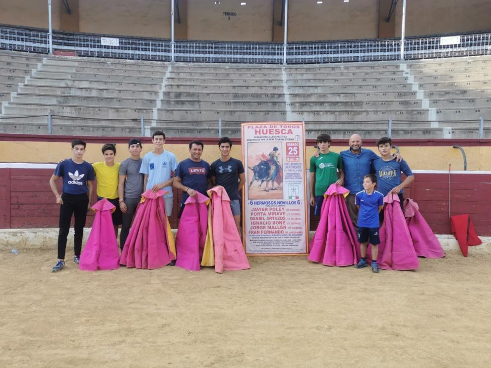 Alumnos de la Escuela Taurina de Huesca.