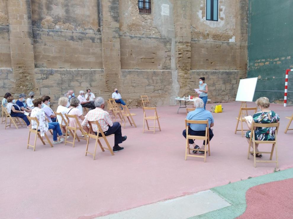 Charla organizada por la Comarca de la Hoya de Huesca en la localidad de Sesa.