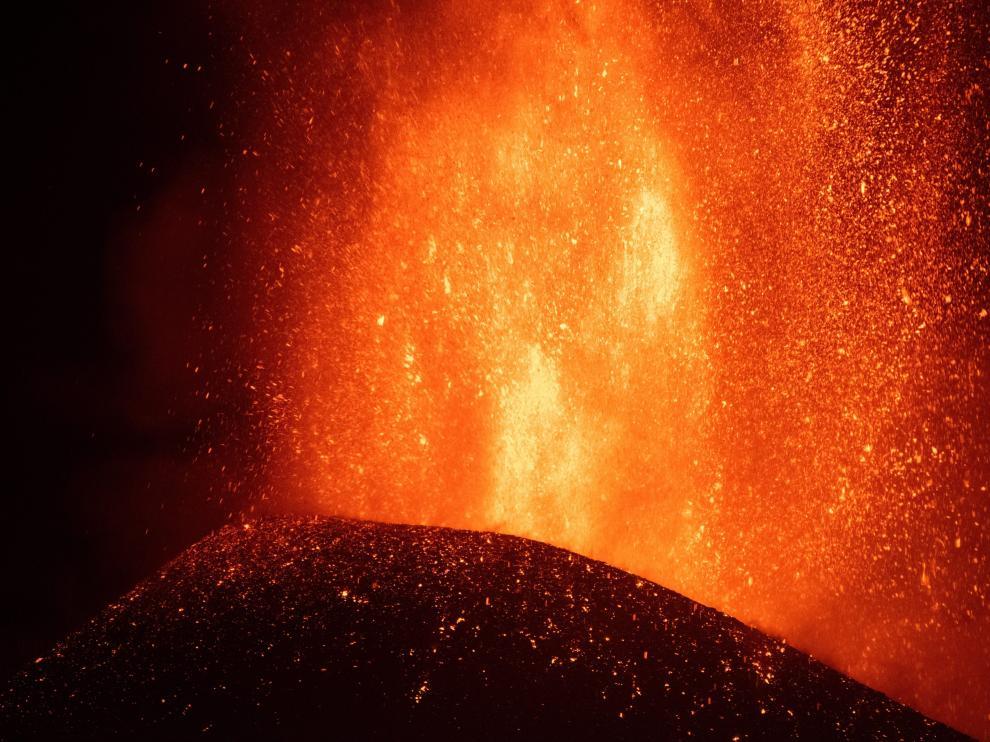 El volcán pasa por su fase más explosivas desde comenzó la erupción.
