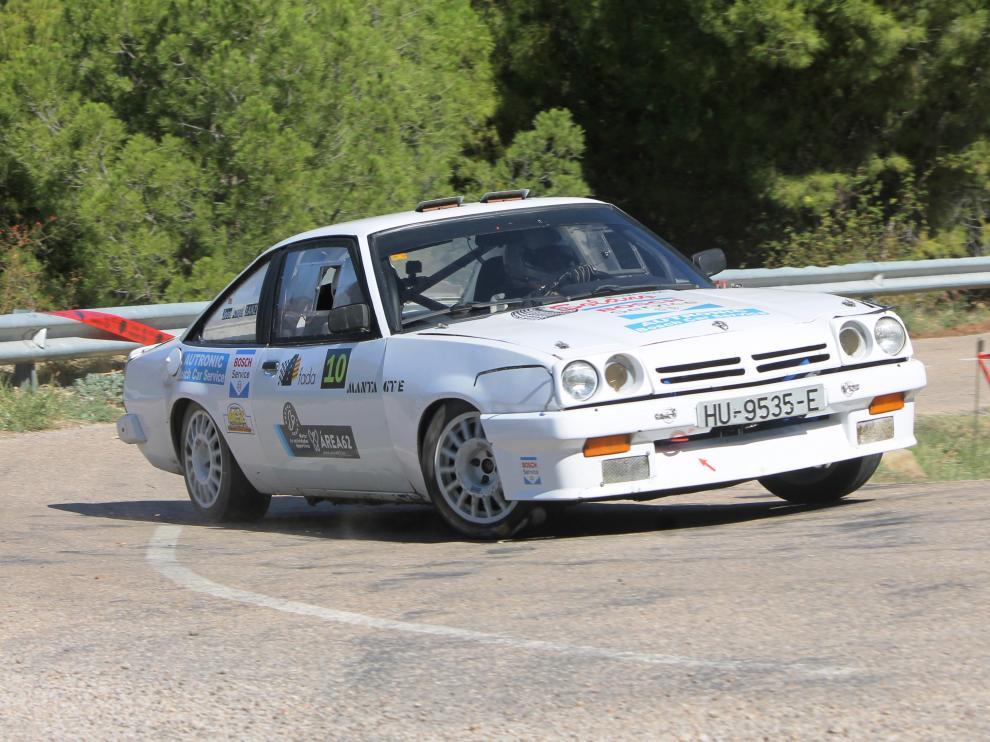 Ismael Pina, líder del Campeonato de Aragón de rally.