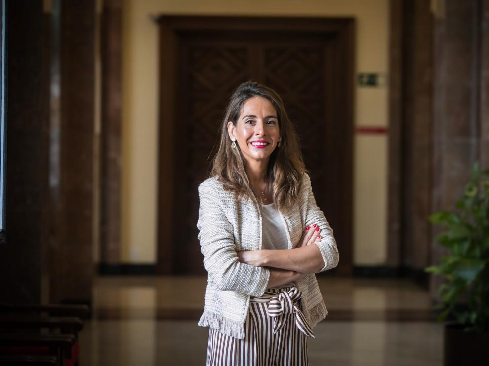 La consejera de Presidencia, Hacienda e Interior, María Navarro, en el consistorio zaragozano.
