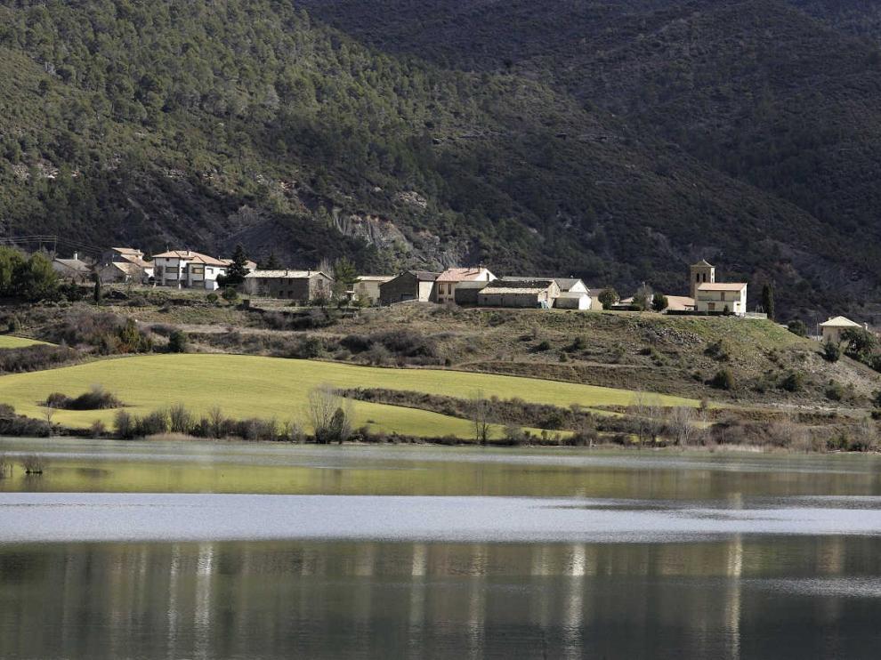 Vista del pueblo de Triste.