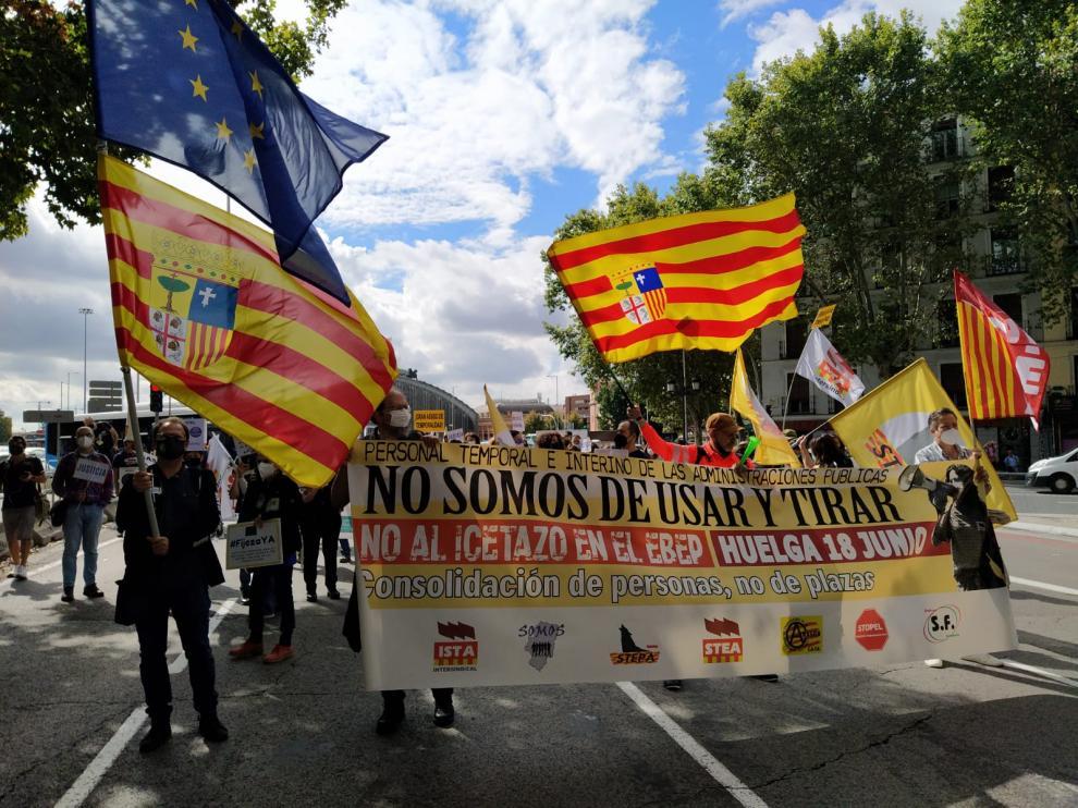Cientos de interinos aragoneses han reclamado en Madrid el fin de su temporalidad