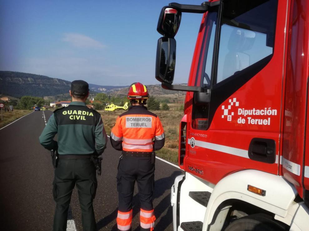 Operativo que ha acudido a Alcalá de la Selva para atender a la niña que se ha precipitado desde un tercer piso.