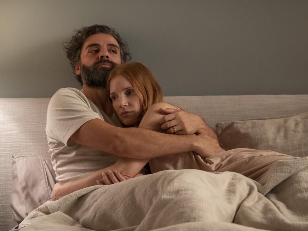Oscar Isaac y Jessica Chastain vuelven a encontrarse en la serie 'Secretos de un matrimonio'.