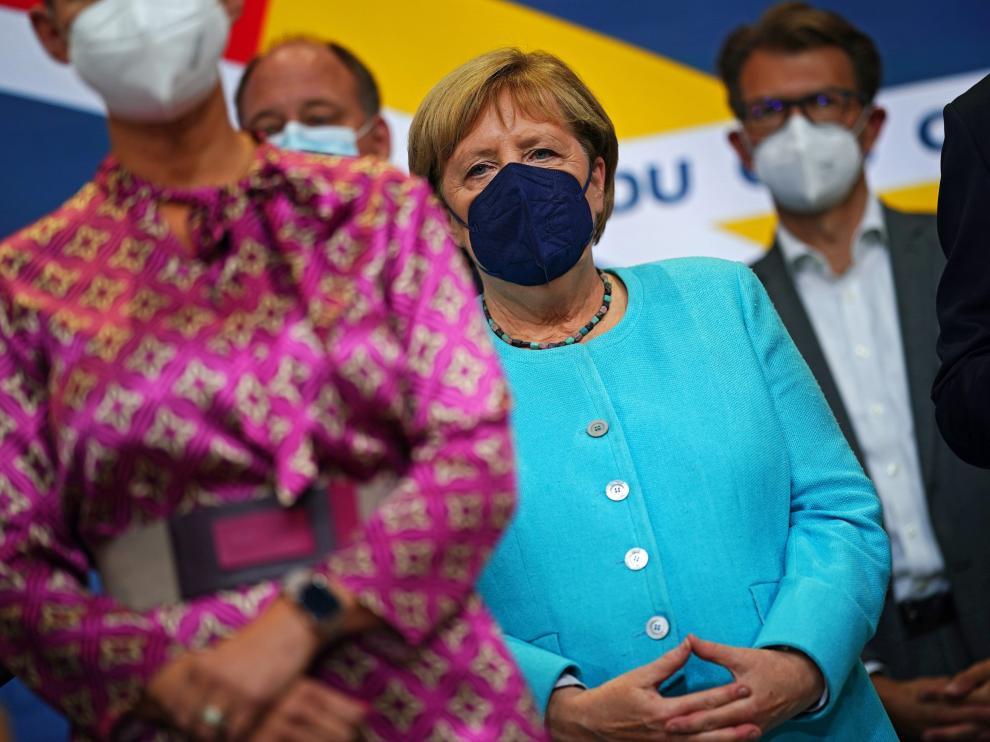 Angela Merkel, en segundo plano entre los miembros de su partido este domingo GERMANY ELECTION 2021