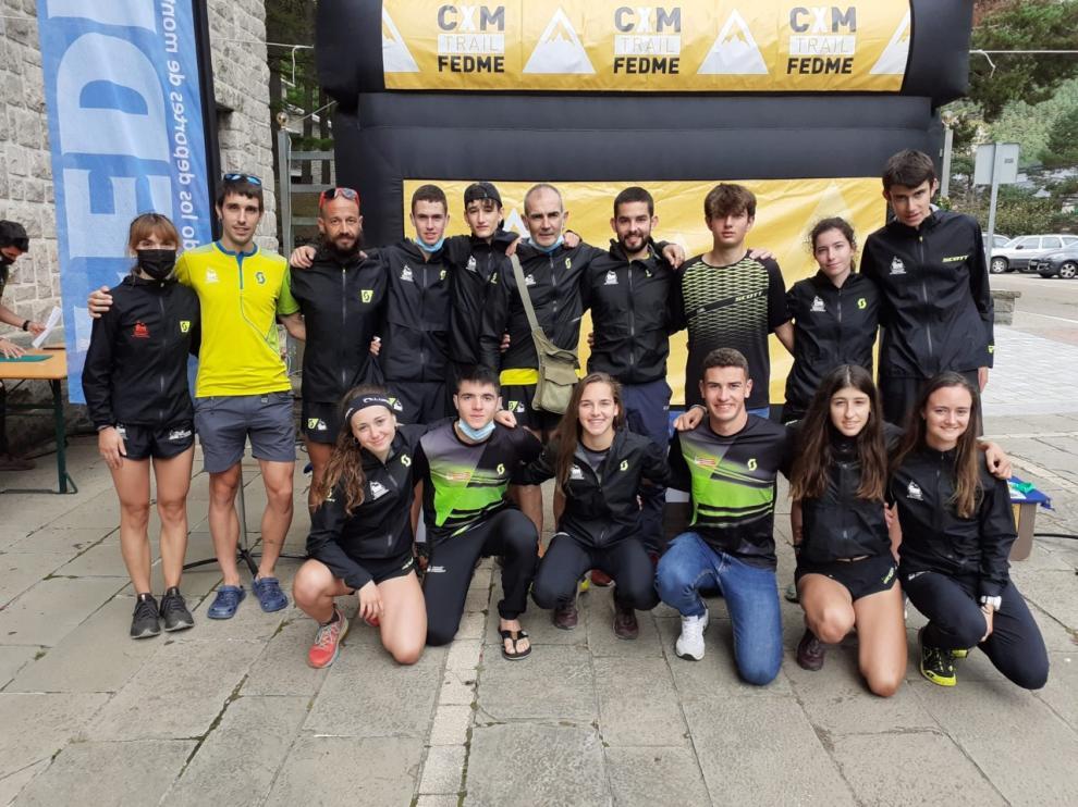 Equipo de la Federación Aragonesa de Montañismo.