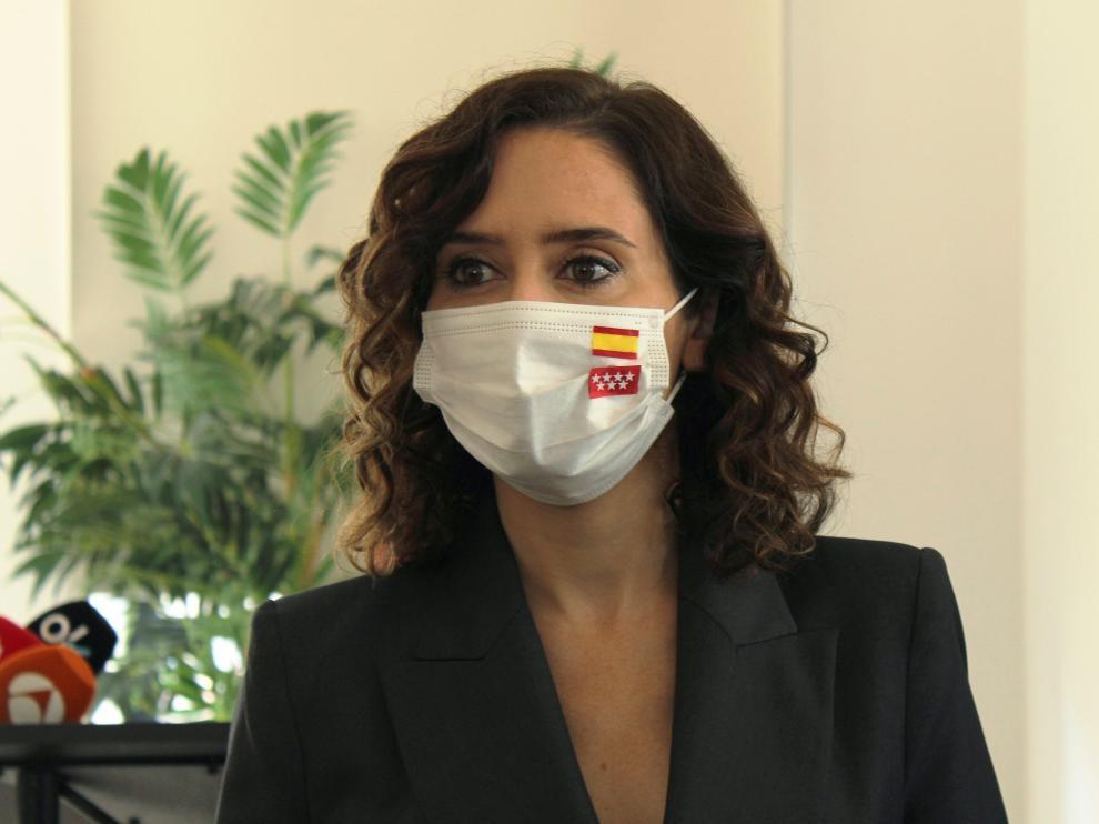 Isabel Díaz-Ayuso en Nueva York con su mascarilla con las banderas de Madrid y de España
