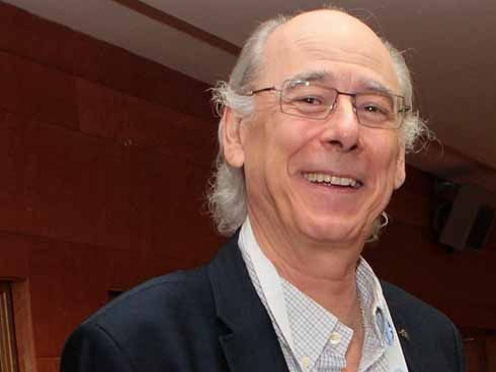 A. P. Martínez