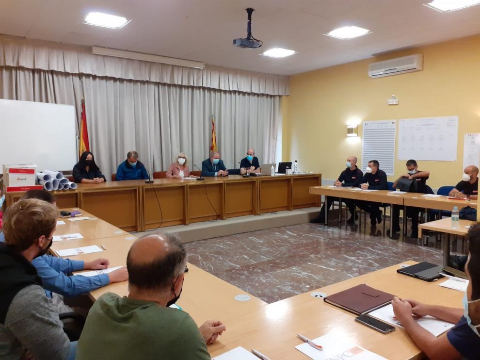 La subdelegada del Gobierno en Huesca, Silvia Salzar, ha abierto el curso de gestión de emergencias en túneles organizado por la Escuela Nacional de Protección Civil.